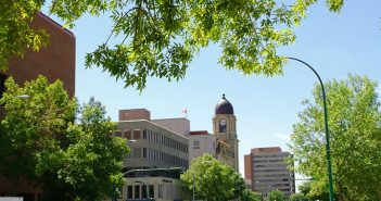 Find out the Best Shopping & Entertainment in Lethbridge