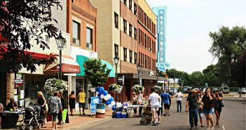 Find out the Best Shopping & Entertainment in Medicine Hat