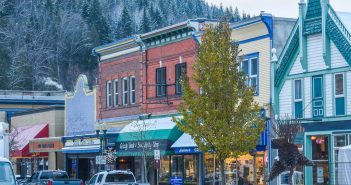 Find out the Best Neighborhoods in Revelstoke
