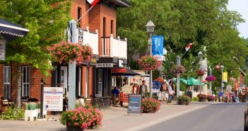 Find out the Best Shopping & Entertainment in Markham